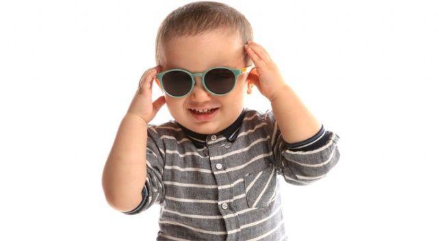 Güneş  gözlüğü alışkanlığı erken  başlasın