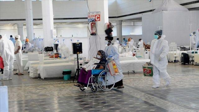 Hindistan'da koronavirüsten 1321 kişi hayatını kaybetti