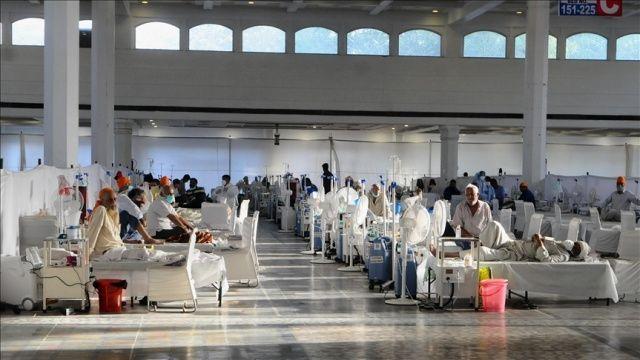 Hindistan'da koronavirüsten ölenlerin sayısı 379 bin 573'e yükseldi