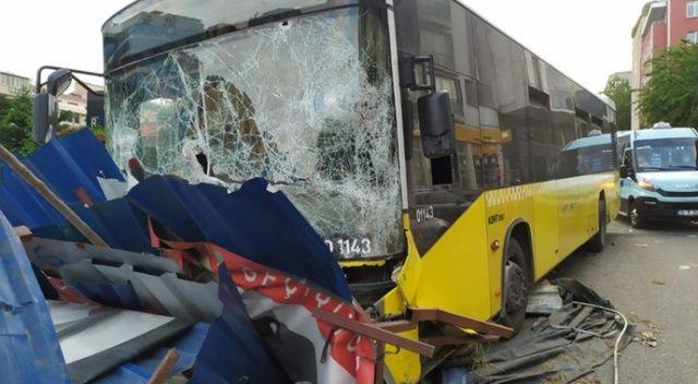 İETT otobüsü metro inşaatına çarptı