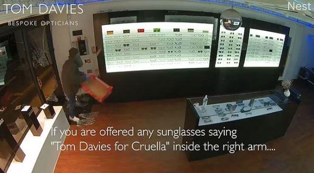 İngiltere'de sosyete gözlükçüsü soyuldu! 6 milyon liralık gözlük çaldılar