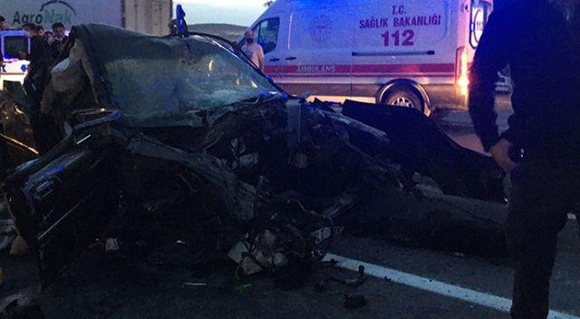 Konya'da tır otomobille çarpıştı, 2 kişi canından oldu