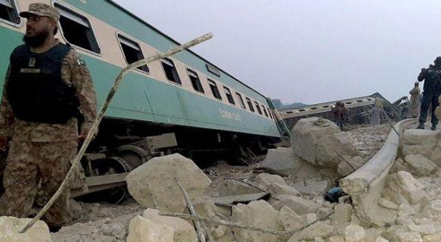 Pakistan'da tren vagonu raydan çıktı: 30 ölü