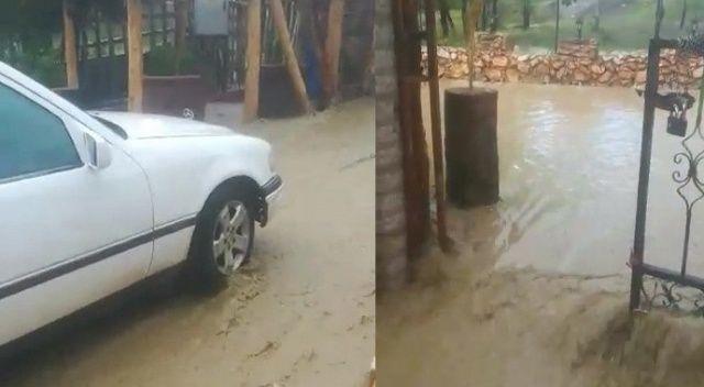 Şiddetli yağış, sele neden oldu