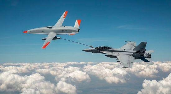 ABD Donanması'nda bir ilk! Tanker drone havada savaş uçağına yakıt ikmali yaptı