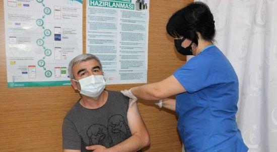 Aşıya ve  tedbirlere devam