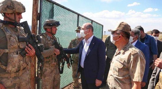 Bakan Soylu, Tendürek'teki askerleri ziyaret etti