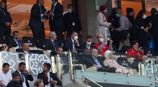 Cumhurbaşkanı Erdoğan milli maçta