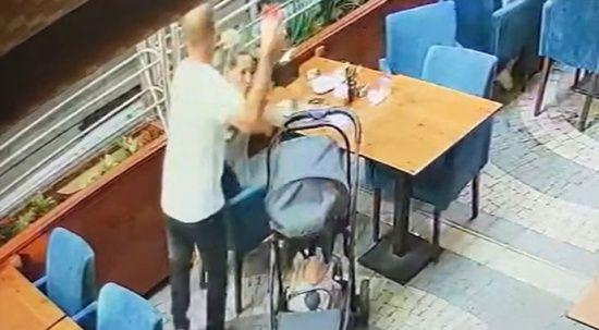 Dehşet! Eşinin başına önce bardakla vurdu, sonra bıçakla saldırdı