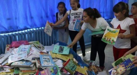 Ders kitaplarını çöpe atmayın!