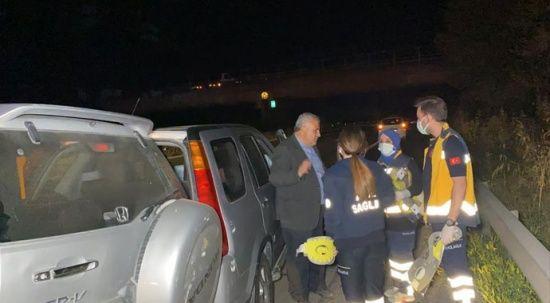 Doktor kaza yaptı, araçtan inip yaralılara yardım etti