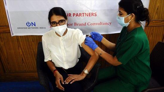 Dünyada 2 milyar 336 milyon dozdan fazla Kovid aşısı uygulandı