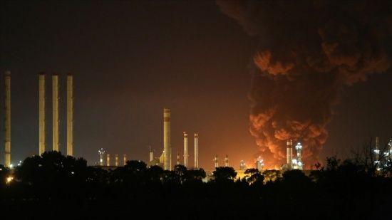 İran Petrol Bakanı'ndan rafineride çıkan yangın ile ilgili açıklama