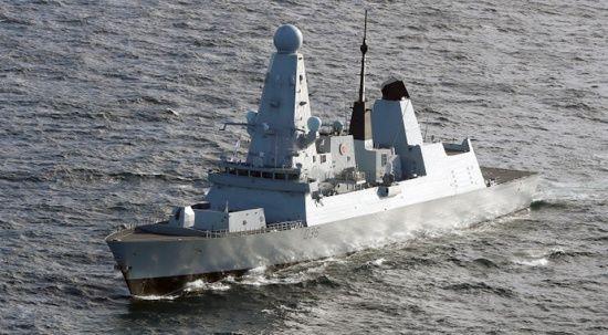 Rusya, ateş açtıkları İngiliz gemisinin görüntülerini paylaştı