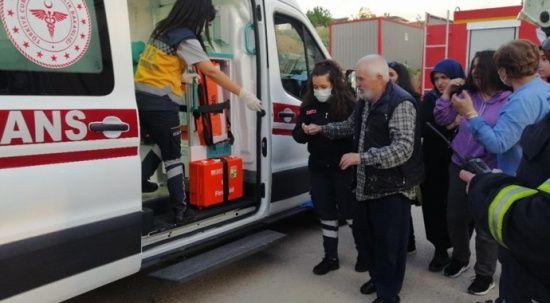 Yaşlı adam yangından zor kurtarıldı
