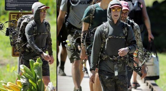 Zuckerberg kamuflajlarını giydi, ava çıktı