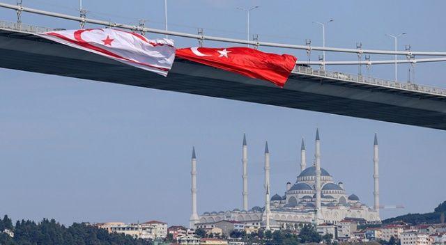 15 Temmuz Şehitler Köprüsü'nde gururlandıran görüntü