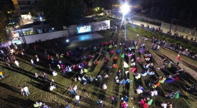 Açık hava sinemasında Börü filmine yoğun ilgi
