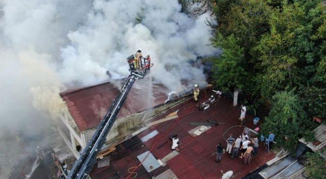 Anne ve 2 çocuğu yangında mahsur kaldı