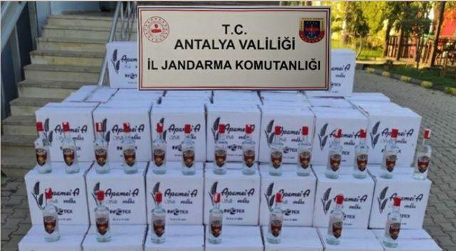 Antalya'da bir otelin deposunda 1800 litre kaçak içki ele geçirildi