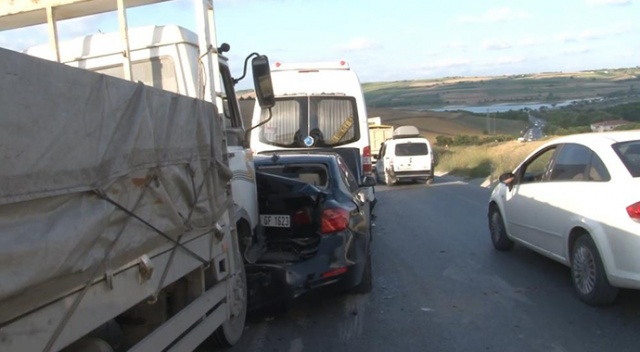 Arnavutköy'de zincirleme kaza, yaralılar var