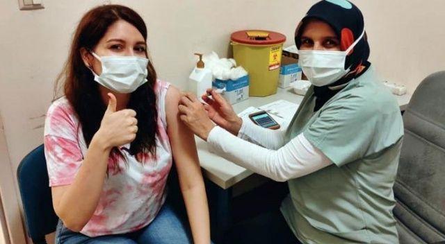 Bakan Koca paylaştı: Kızının aşısını kendi elleriyle yaptı