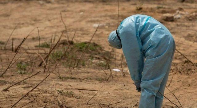Bilim adamları hesapladı: Hindistan'da koronadan ölenlerin gerçek sayısı 4,7 milyon
