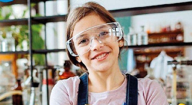 Dell, kızlar için yeni  bir gelecek sunuyor