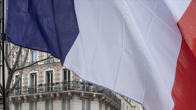 Fransa 5 AB ülkesinden gelenlere test zorunluluğu getirdi