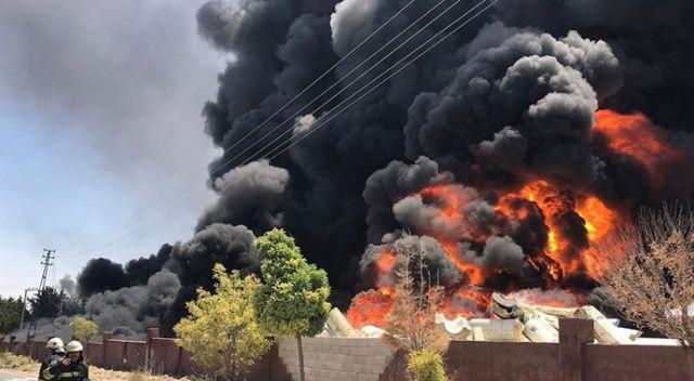 Gaziantep'te depo yangını: Patlama sesleri geldi