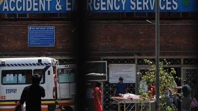 Hindistan'da salgında hasta sayısı düşmeye devam ediyor