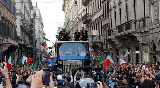 İtalya'da şampiyonluk beraberinde Covid-19 getirdi
