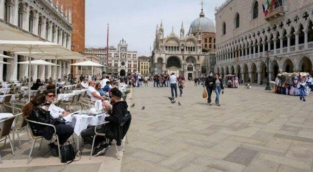 İtalya'dan Kovid raporu: Ölenlerin yüzde 99'u tam aşı olmadı