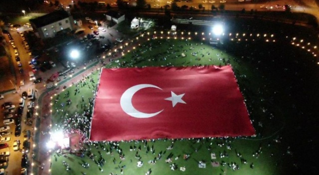 Kayseri'de dünyanın en büyük Türk bayrağı açıldı