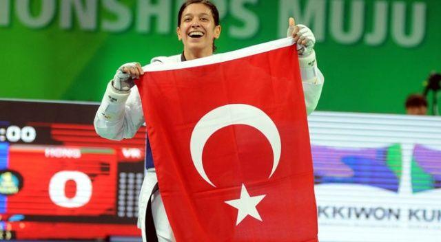 Nur Tatar çeyrek finale yükseldi