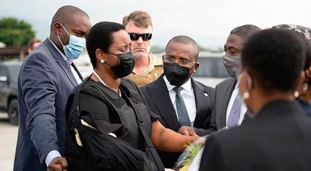 Öldürülen Haiti liderinin eşi kurşun geçirmez yelekle ülkesine döndü