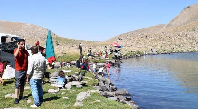 Şırnak'taki doğal göl vatandaşların akınına uğradı
