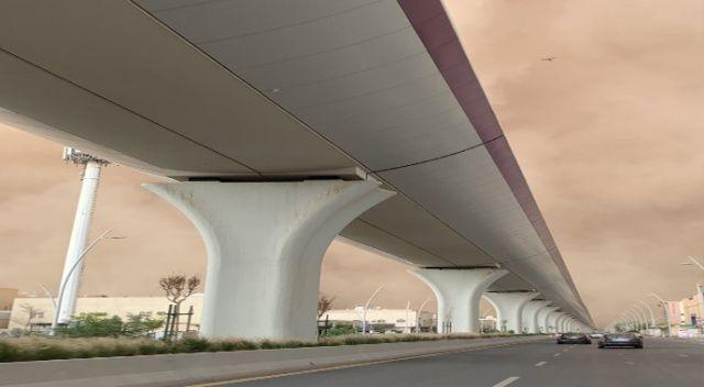 Suudi Arabistan'ı kum fırtınası vurdu