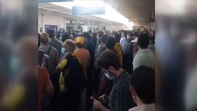 Tahran metrosundaki elektrik kesintisi protestolara yol açtı