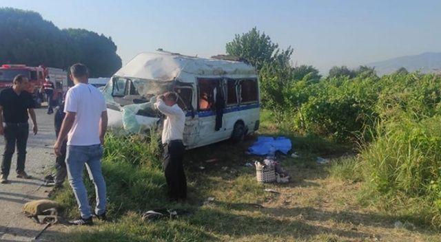 Tarım işçilerini taşıyan minibüs kaza yaptı: 2 ölü, 9 yaralı