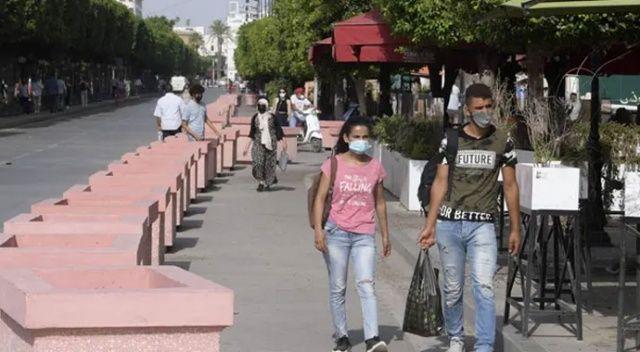 Tunuslular darbeye kayıtsız! Sokaklarda normal hayat devam ediyor