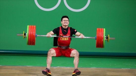 3 olimpiyat rekoru birden kırarak altın madalyayı aldı!