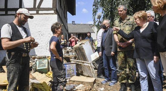 Almanya Başbakanı Merkel, sel bölgesinde: Tablo korkutucu