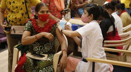 Aşı yerine tuzlu su enjekte ettiler