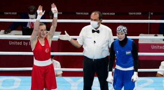 Buse Naz Çakıroğlu çeyrek finalde