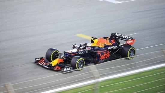 F1'de ilk kez düzenlenen sprint yarışında zafer Verstappen'in