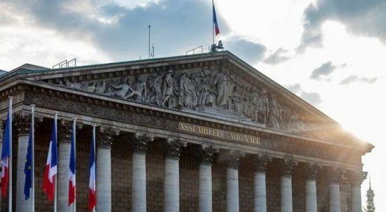 Fransa'da zorunlu aşıya ilk adım!