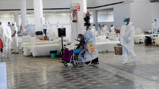 Hindistan'da salgında vaka sayısı iyileşenlerin sayısını geçti