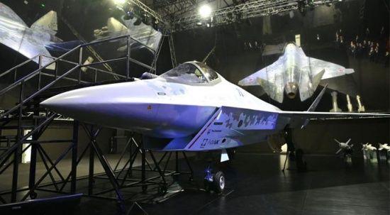 Rusya Su-57 Checkmate'i tanıttı