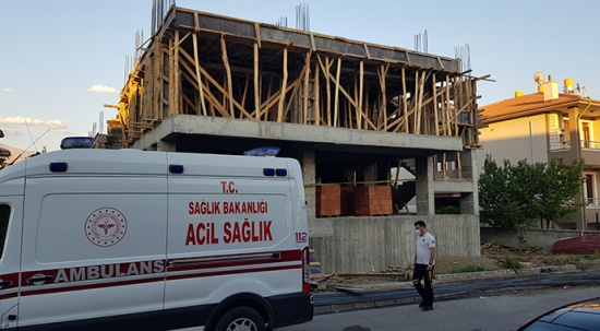 Şantiye bekçisi inşaatın asansör boşluğunda ölü bulundu